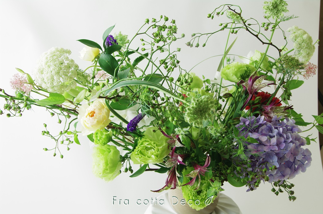 【市場見学・仕入実習NO4】生徒さん、花市場で仕入れた花材で作品を制作!