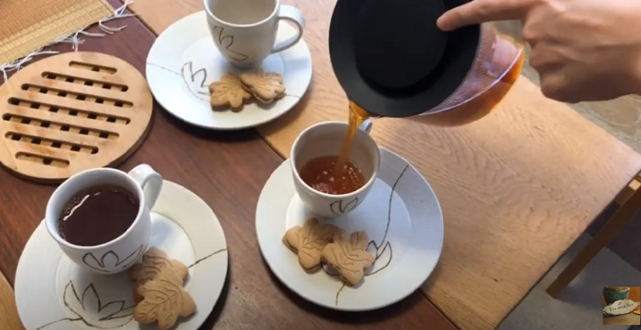 【動画】『花のある暮らし』花vlog#5 食卓テーブルに幸せな花活け/わたしの好きな時間/スローライフ/お茶時間/おうち時間