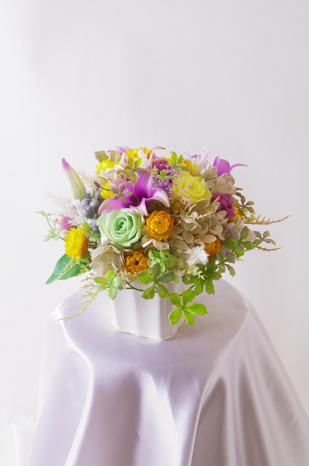ずっと楽しめるお花のご注文が続いています