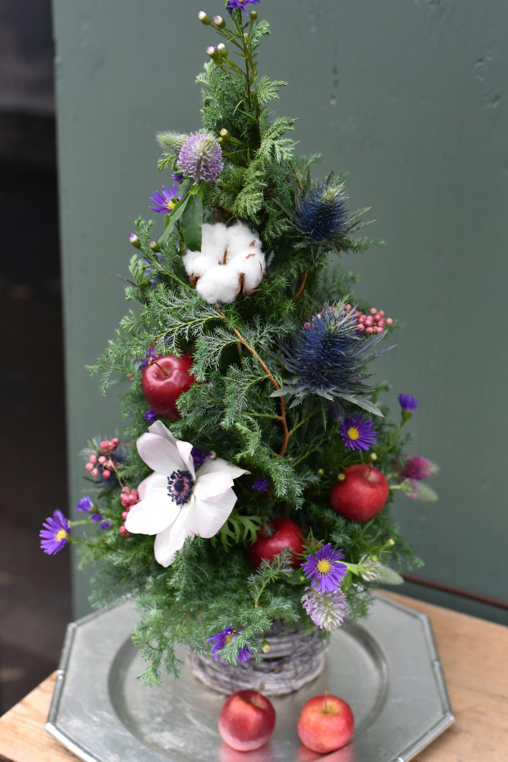 生花のクリスマスツリー